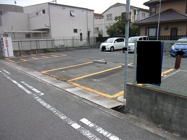 総持寺駅前町パーキング_2
